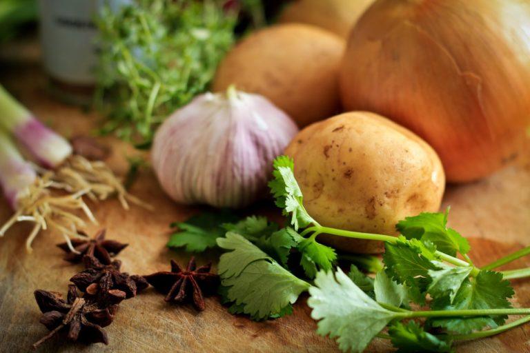 Krumpir_luk.jpg